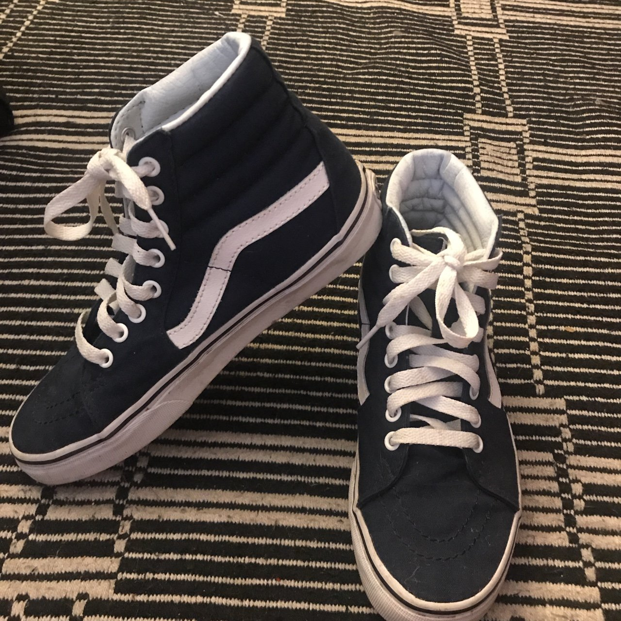 920d8e4a2229 Navy blue sk8 hi Vans. I m good condition