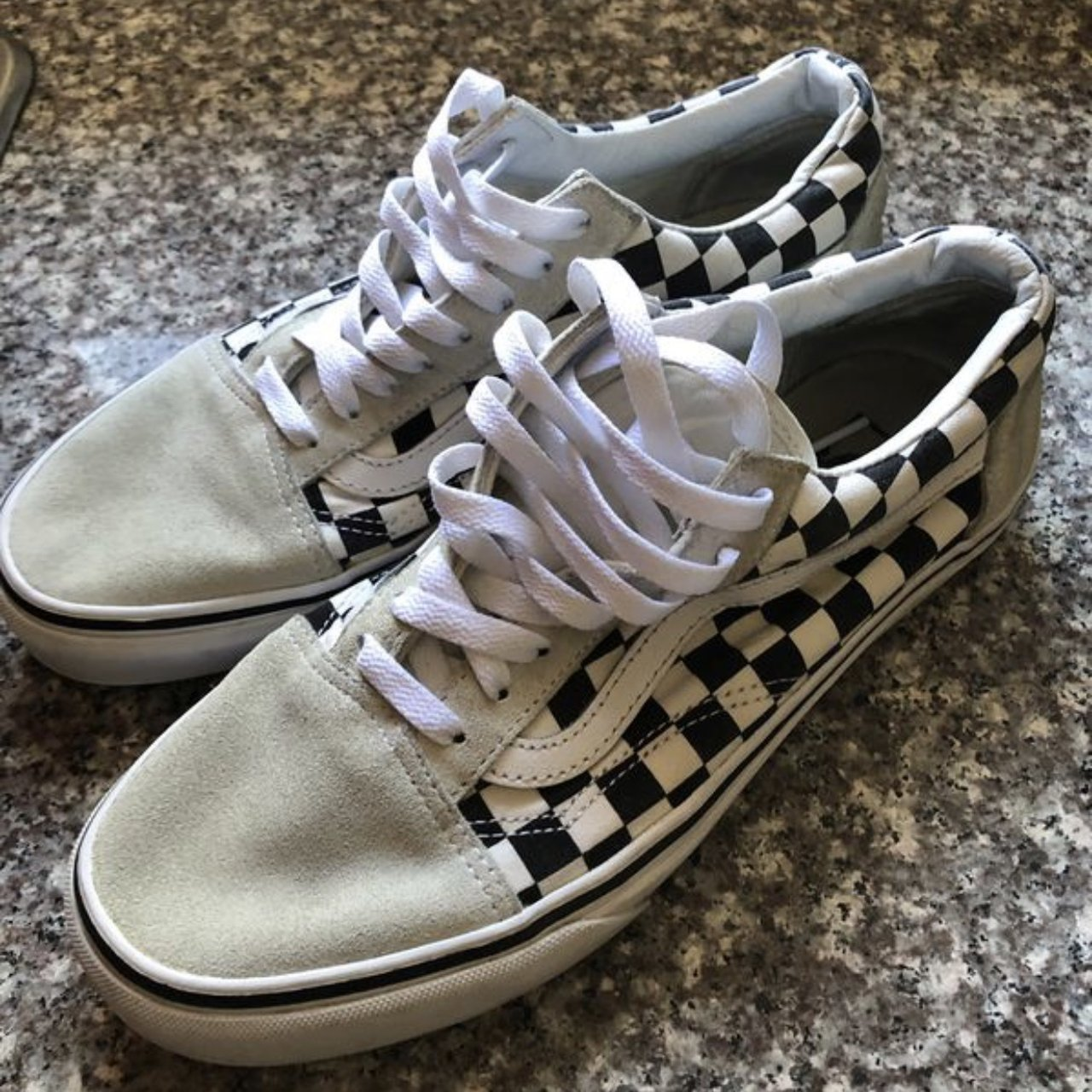 9101981fe192 SALE BUY NOW White checkered vans. Mens size 8.5