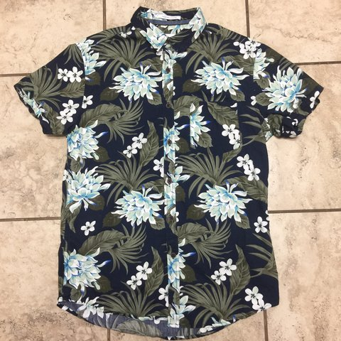 Men S Button Up Top Size Small Slim Fit Brand Cactus Blue Depop