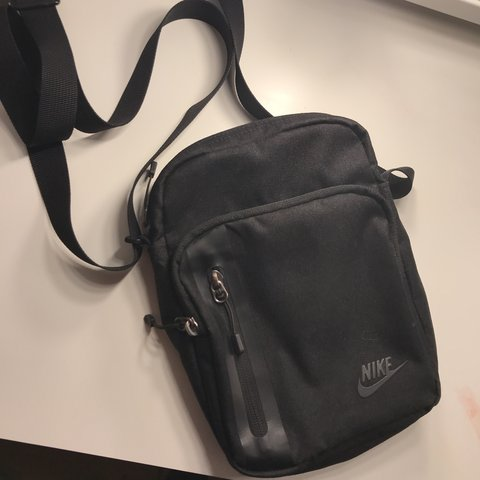 Nike black man bag   cross body bag brand new without tags bf27f697f79c6