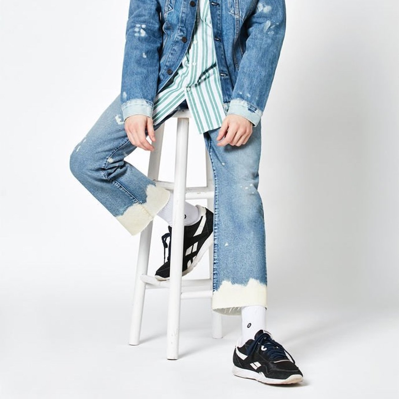 2f0a11297ed BLEACHED AND RIPPED LEVI JEANS RETAIL