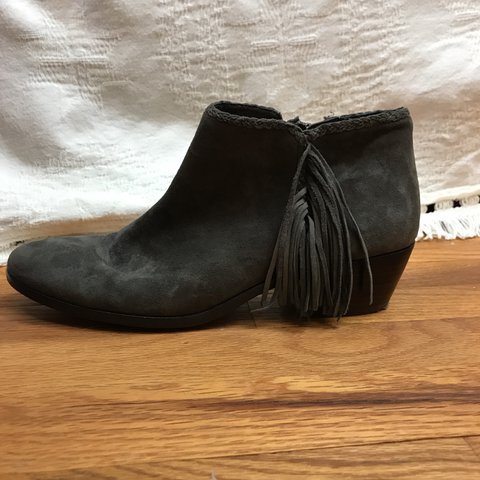 e27fa845d Gray suede Sam Edelman boots. Small heel. Outside fringe and - Depop