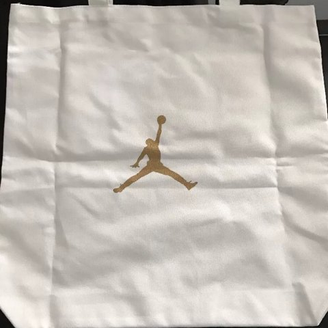 Here I'm selling BRAND NEW 100% Authentic Nike Air Depop