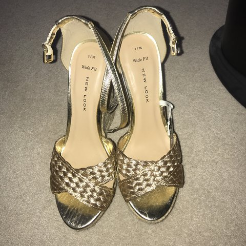 593a06b71b9 NEW LOOK - WIDE FIT - GOLD WEDGES - SIZE UK 3 - BRAND NEW - - Depop