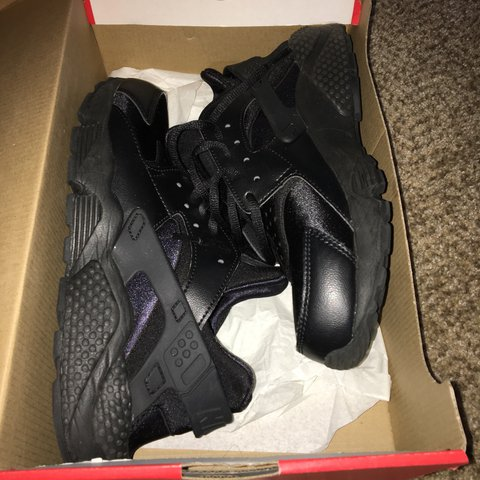 1a78438653ede Women s size 9 huarache sneakers. Too small for me