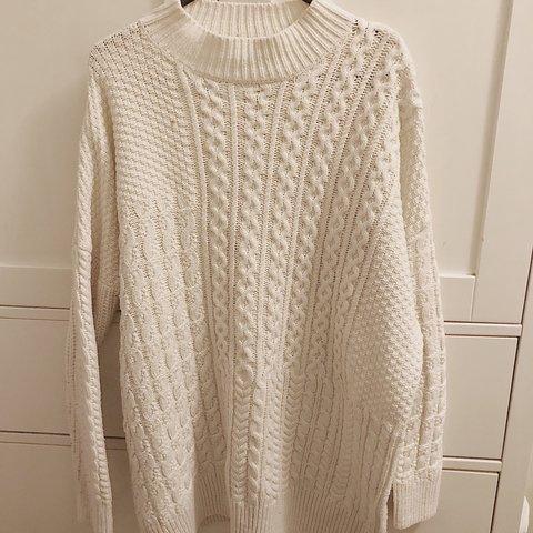 59ffeed83200fc @brittanygooddy. 4 months ago. Stockport, United Kingdom. Topshop TALL cream  cable knit jumper