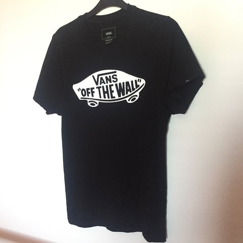 6b1203d78e Vans Off the Wall Logo T-shirt in Black Perfect condition. - Depop