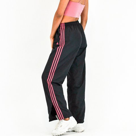 9cd154017 @orendalou. last year. Lakewood, Jefferson County, United States. Adidas  windbreaker pants. Excellent condition!