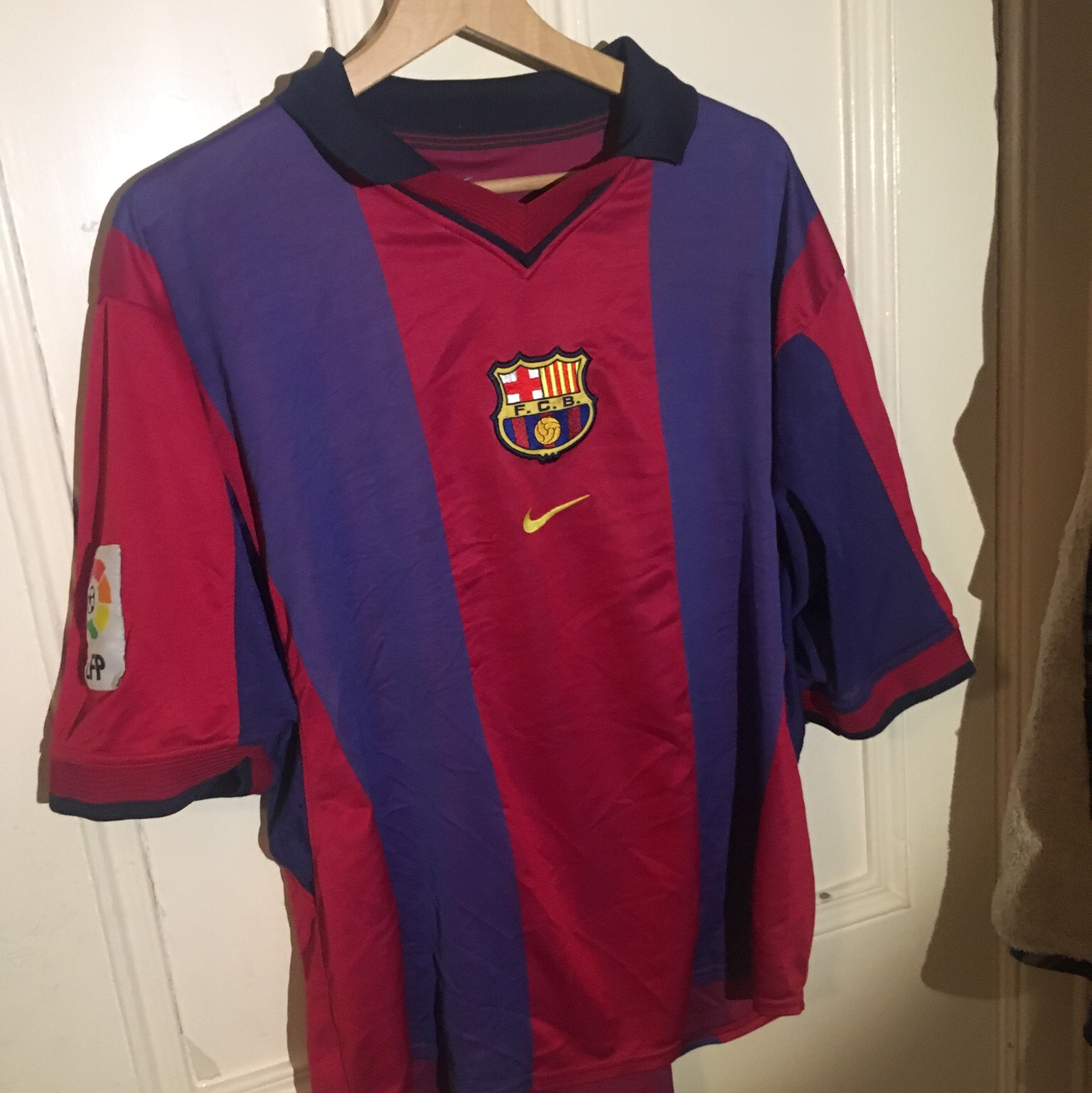 reputable site 5d8fa 70b3f Special edition 2000-01 Vintage Barcelona Home Kit... - Depop