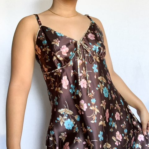 🤎BROWN FLORAL SLIP DRESS🌸