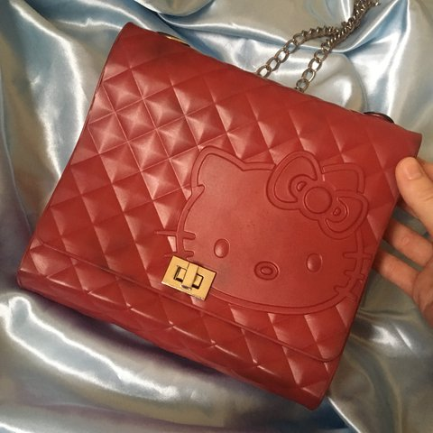 ac2620109 OH BABY check out this small hello kitty purse!!!! ❤ ❣ 💋 a - Depop