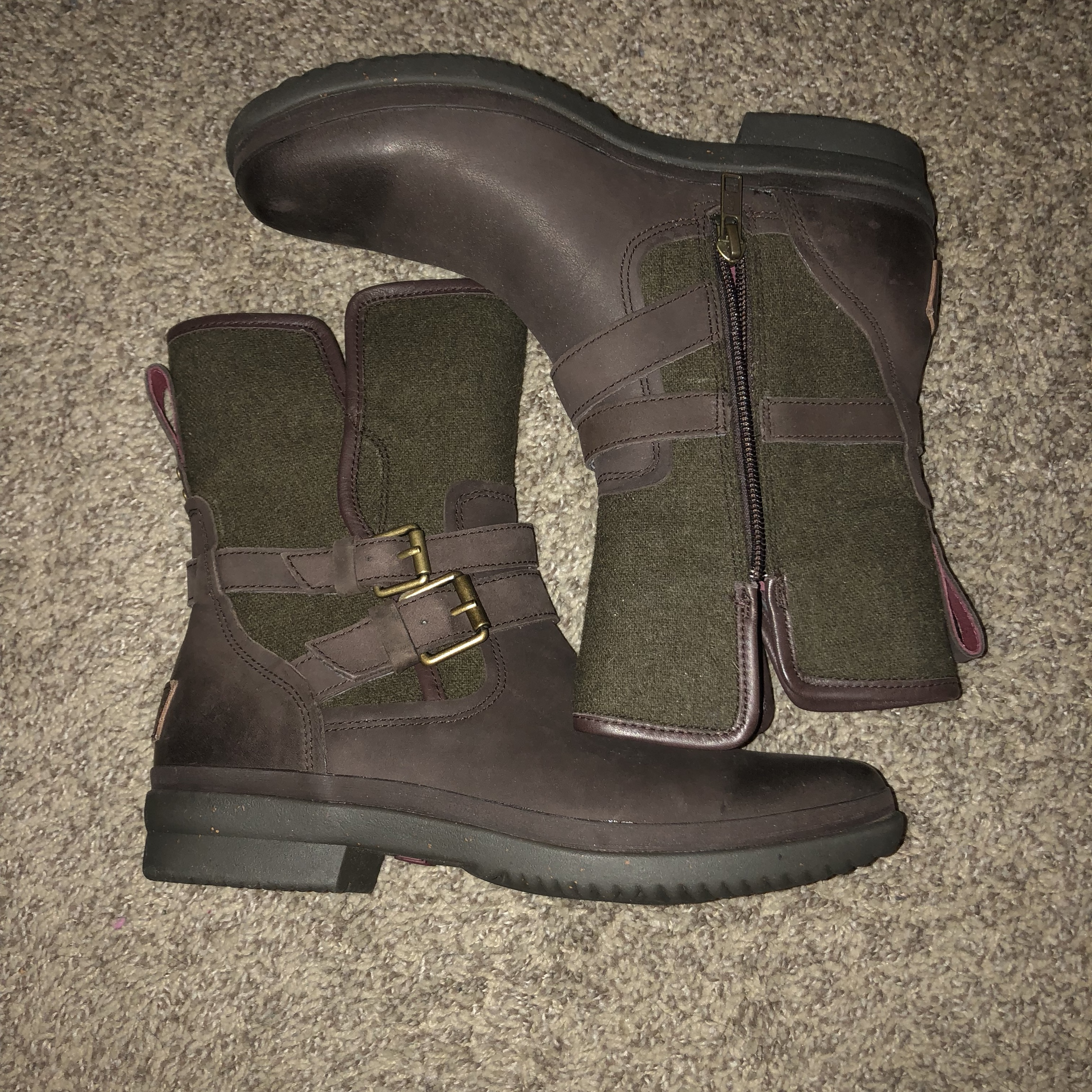 b4819931fa6 UGG Australia Women's Simmens Leather... - Depop