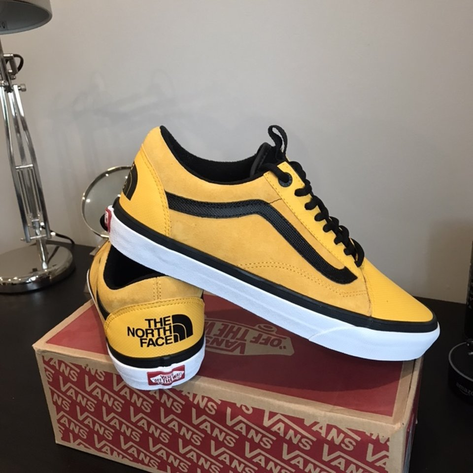 Shopping > limited edition of vans  