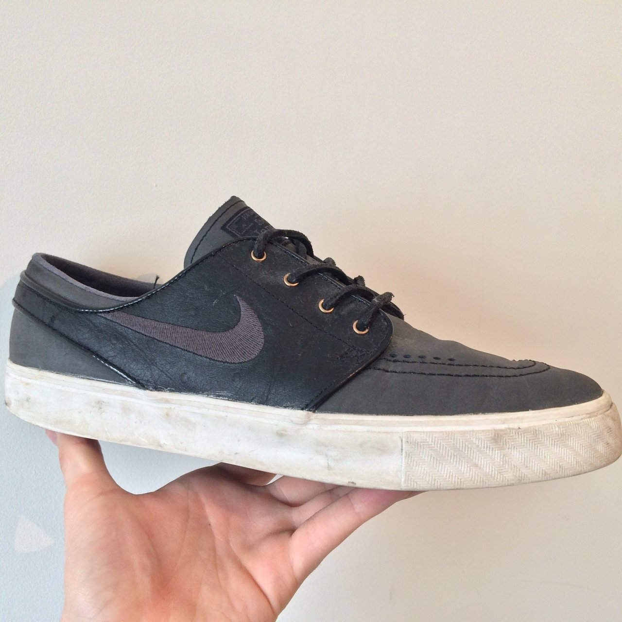 2ef3faa2a1e Limited Edition Nike SB Stefan Janoski - Black Anthracite TO - Depop