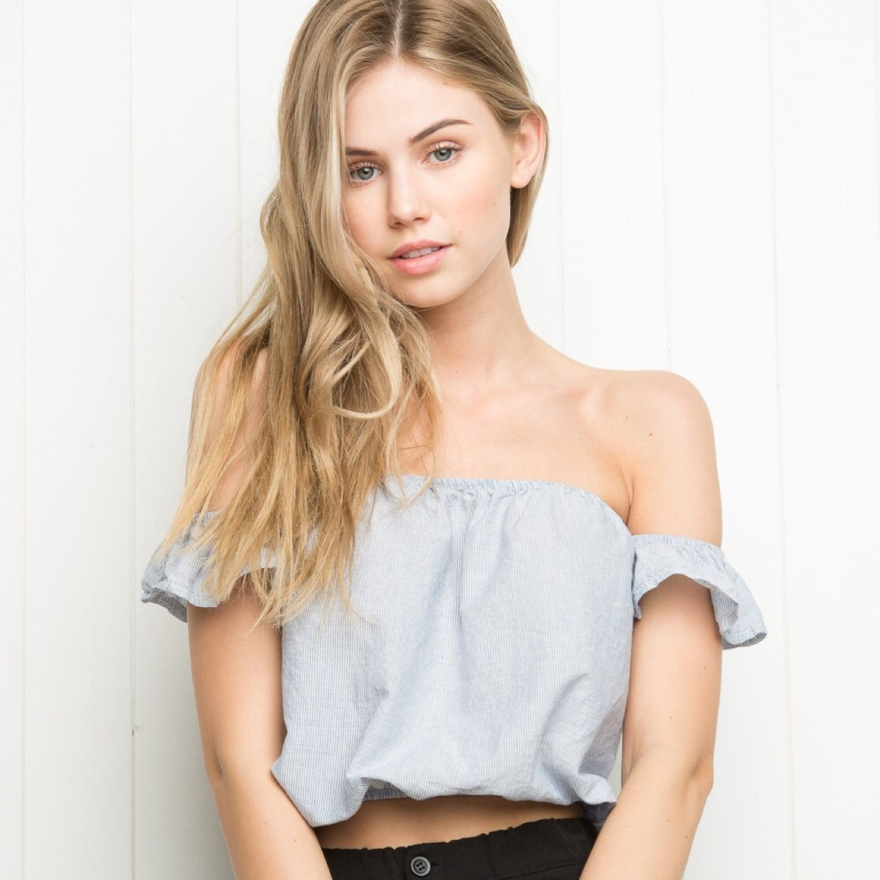 da8f308225 Brandy Melville    BRAND NEW WITH TAGS    never worn    top - Depop