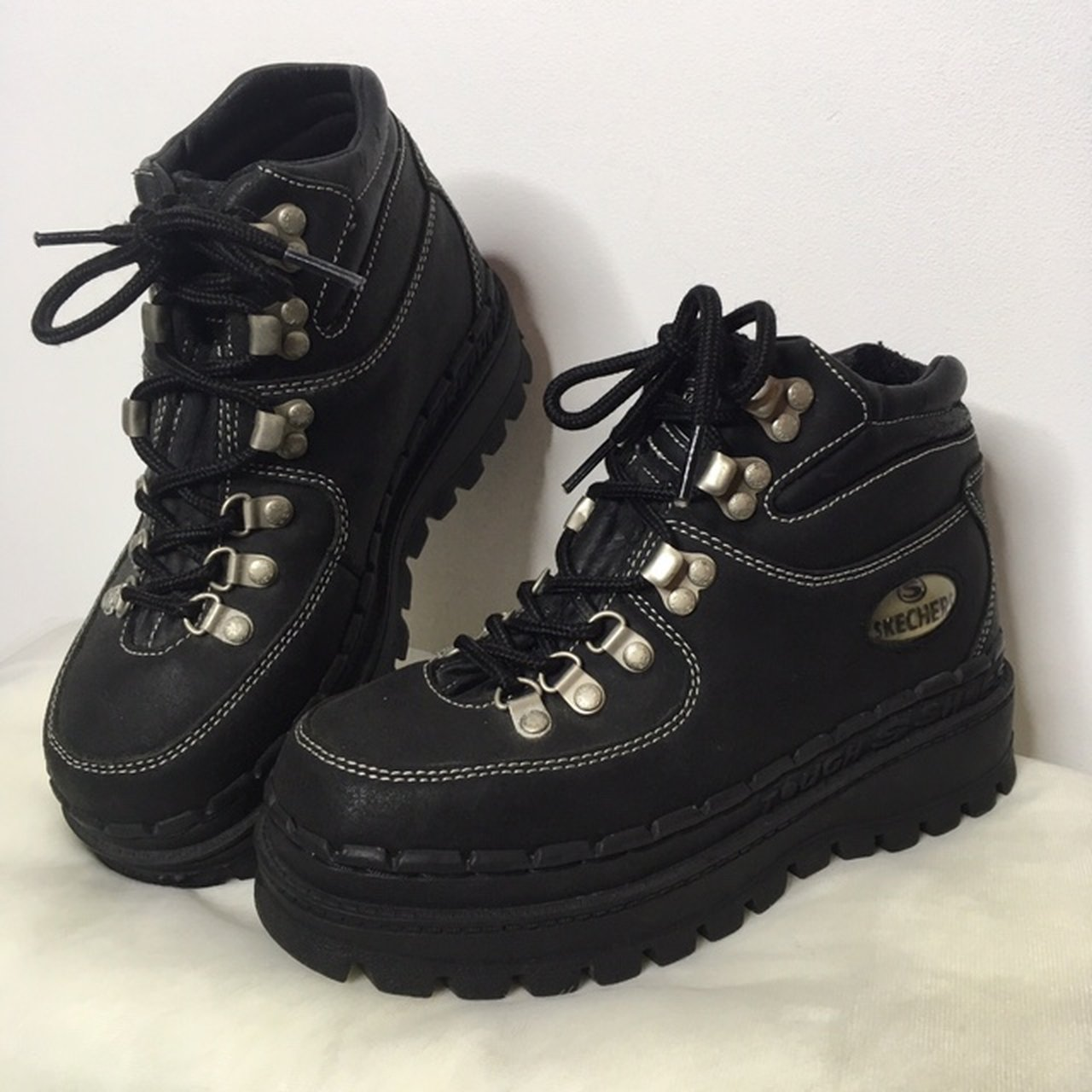 0e521e9686bf 90s Holy Grail Skechers Boots in Black. These are so hard to - Depop
