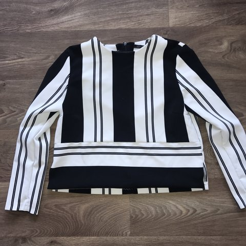 0fdae1badfc0ac Zara size medium Stripe crop top. Good condition. Work wear