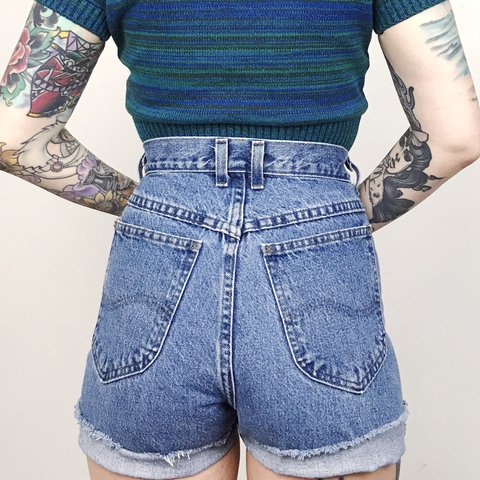 ca66f67180 @jrenner26. last year. McDonough, United States. Vintage LEE Riders high  waisted cut off mom jean shorts ...