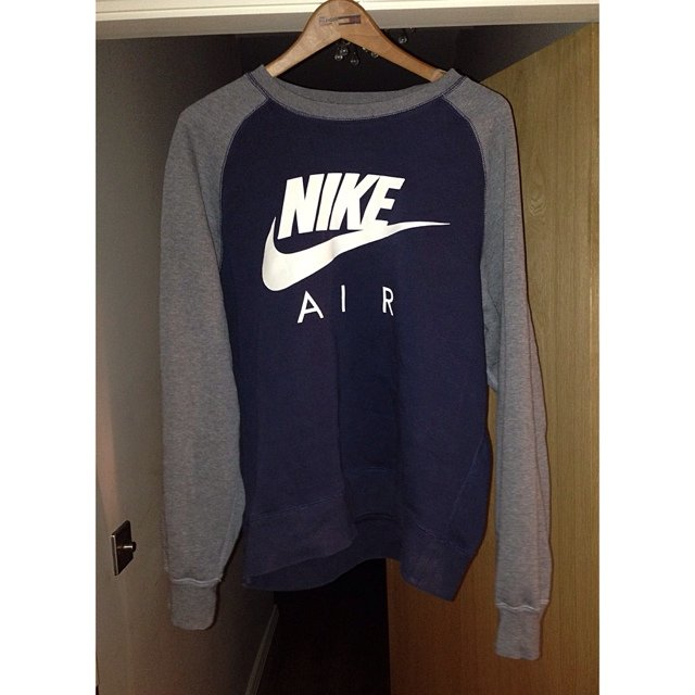 Nike air jumper size large but more of a medium 09d062b5a