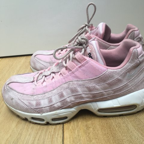 71e1361cd4 @irisramsay. last year. London, United Kingdom. Baby pink nike airmax 95s  in such good condition despite being worn. Size 7