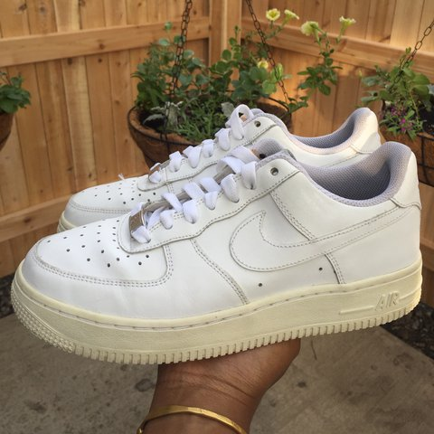 e1be7b319 @amarachiibe. 2 years ago. Illinois, USA. Nike Air Force One Low White  Sneakers - size 5.5 youth