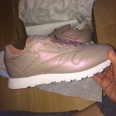 a76b1139fee61e SIZE 5 ROSE GOLD REEBOK TRAINERS. Selling purely because I - Depop
