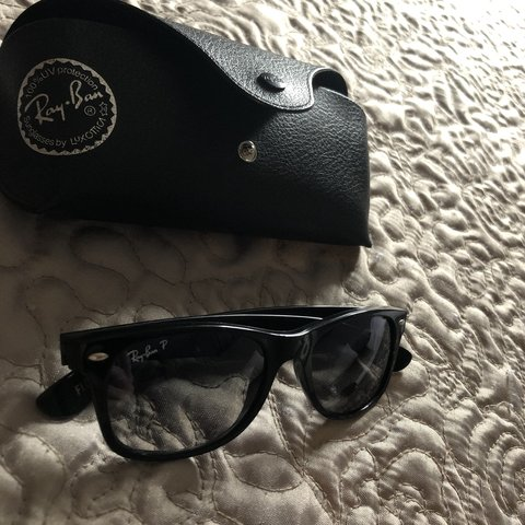 a0200dda4c Ray~Ban New Wayfarer in excellent condition