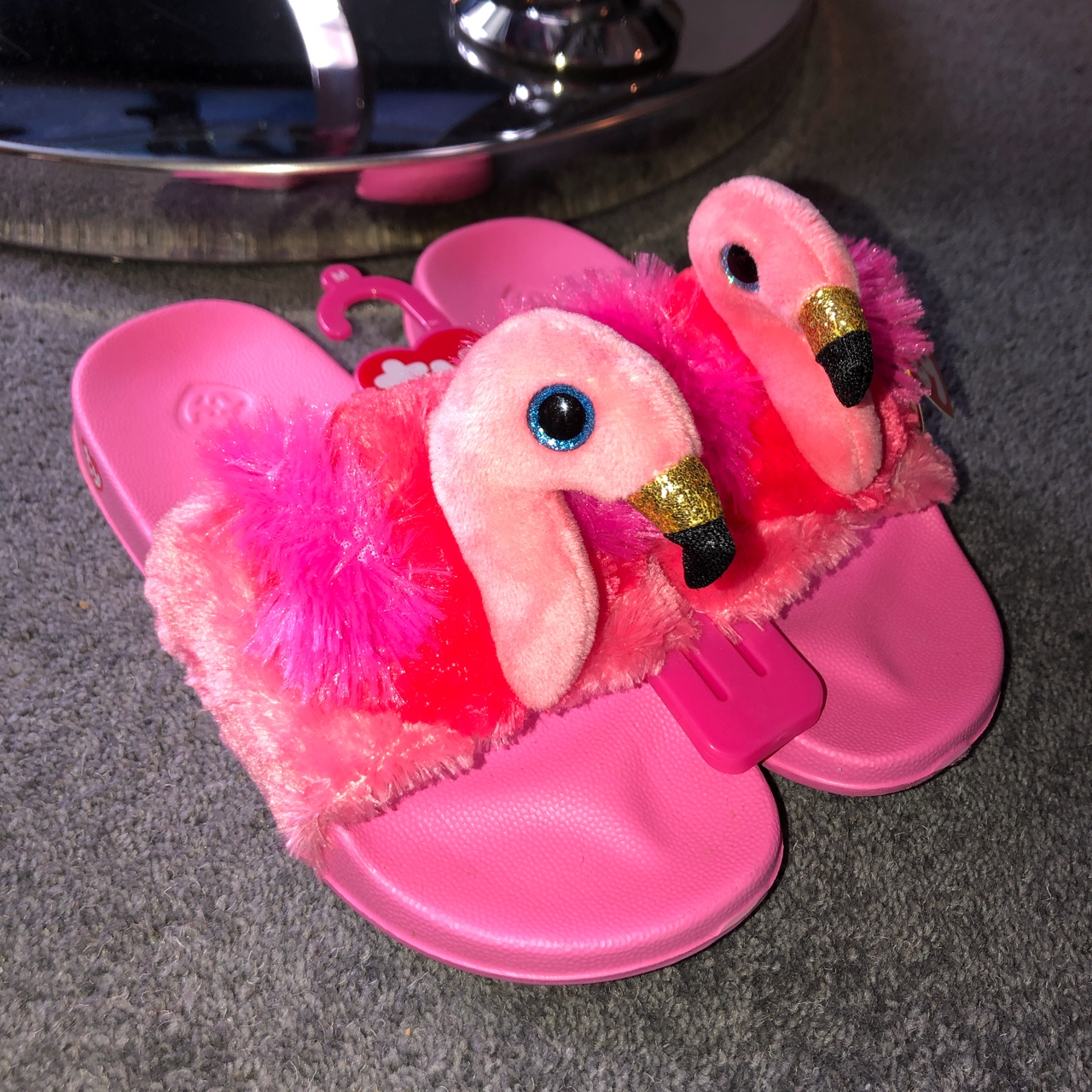 Ty girls sliders size medium which is 1