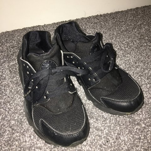 e6a85f4ce1d2 Black huaraches trainers - Size 4 - will fit 3 3.5 10 10 a - Depop