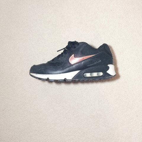 d0547be709 Nike Air Max 90 Junior - Size UK 5 - Black with White Sole - - Depop