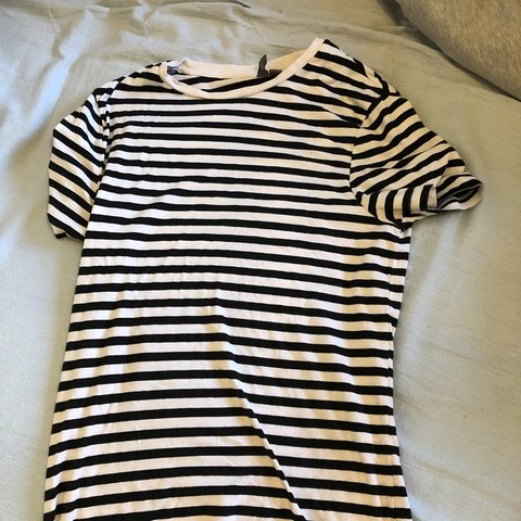 b1dbbfba2f @mgalli8. 2 months ago. London, United Kingdom. Black and white striped  ASOS tshirt in small. Very soft and comfortable