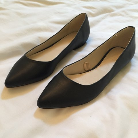 1081e4c88 Flat black pointed toe flats from Forever 21. Worn once. - Depop