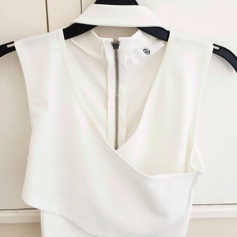 ebb97f1b0dabc Missguided white choker crop top - worn once and in good - Depop