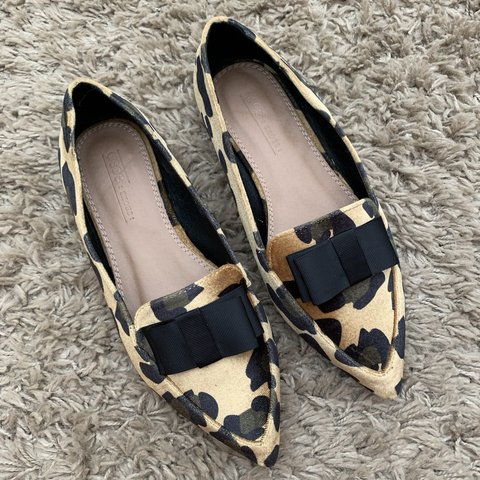 ccca5db1e @penderzz. 6 months ago. Kingswinford, United Kingdom. ASOS leopard print  ballet flat pointed shoes.