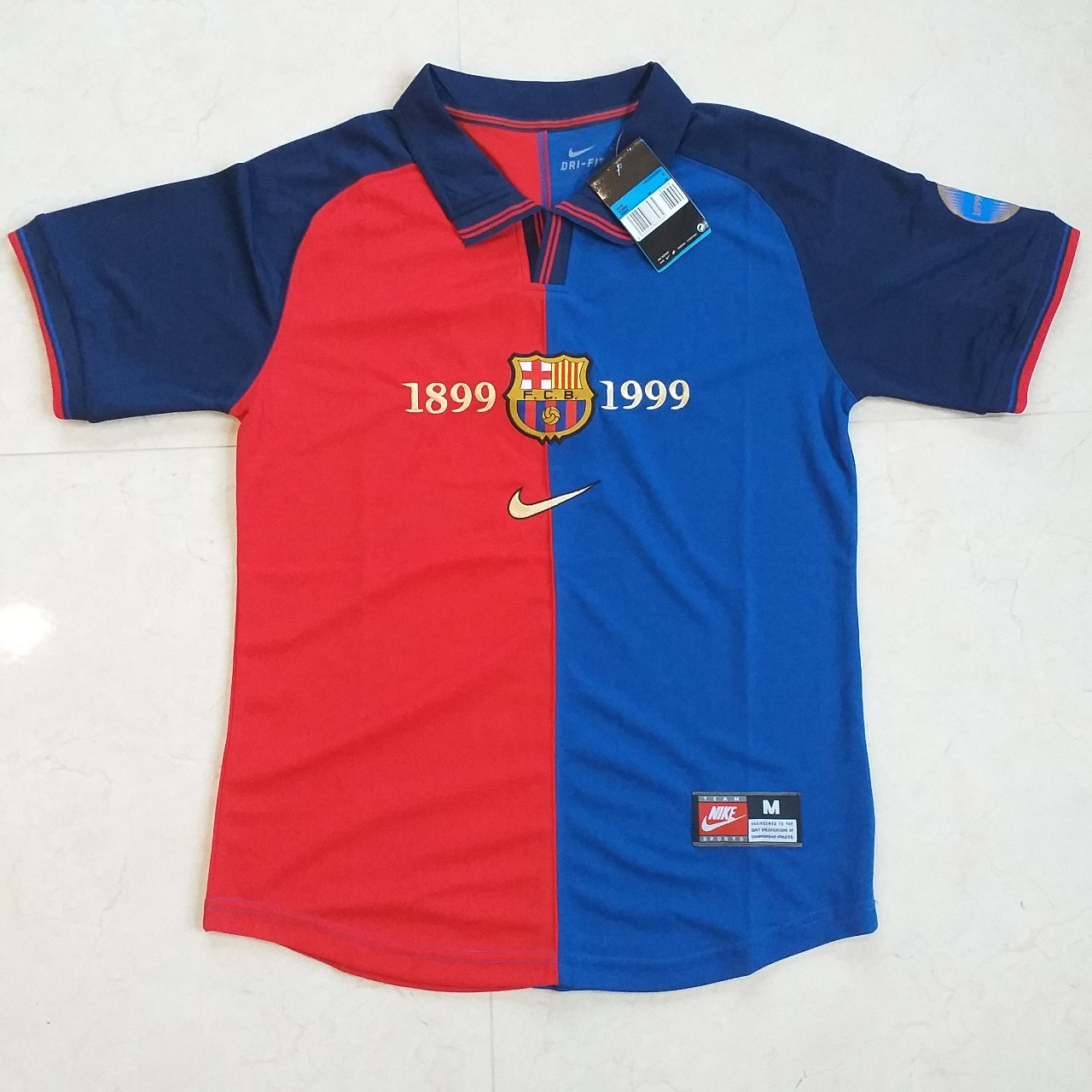 premium selection 75cd7 bf2dc Barcelona home 1999/2000 Classic Jersey. New with... - Depop
