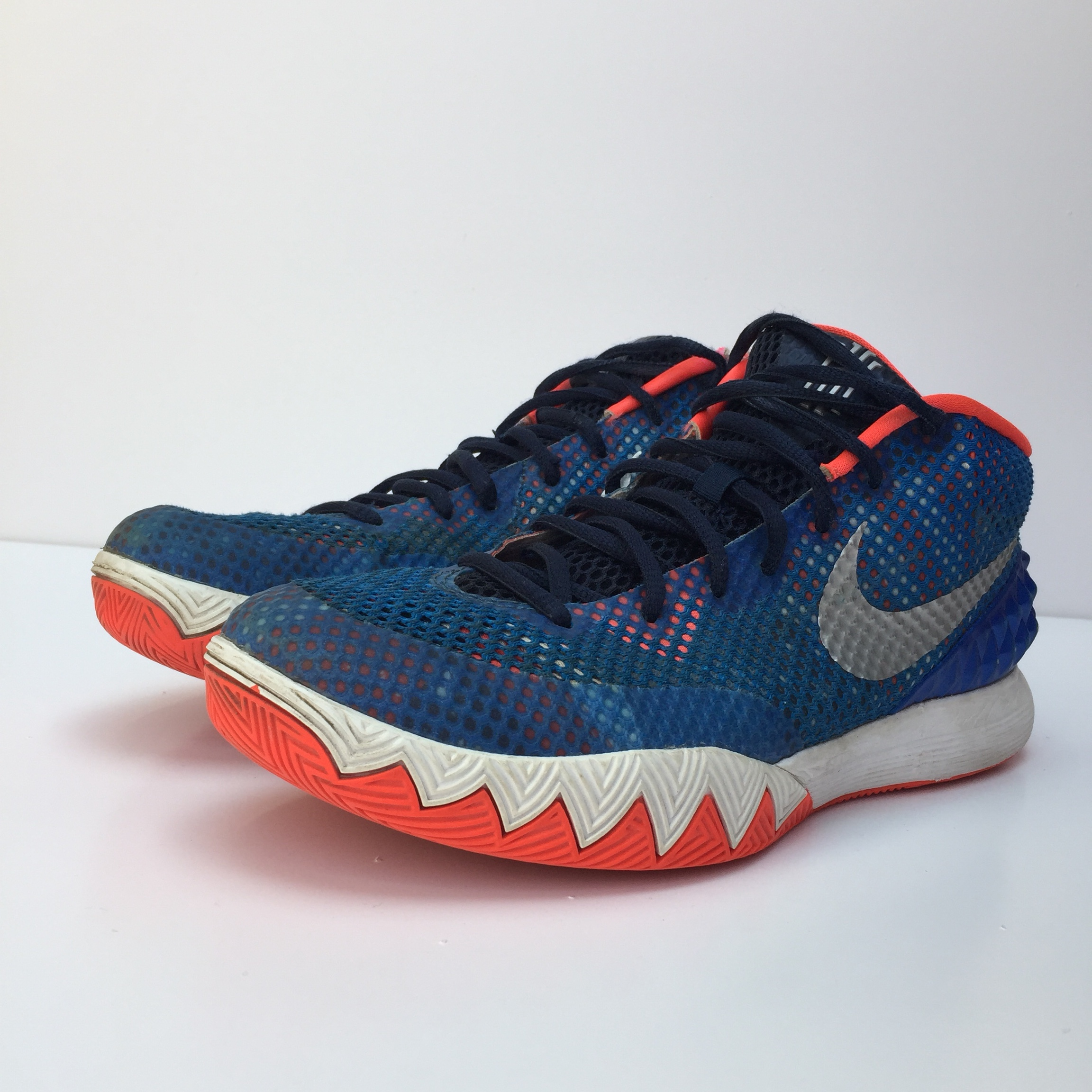 detailed look b18b3 7f2d2 Nike Kyrie 1 'USA' Great basketball shoes Decent... - Depop