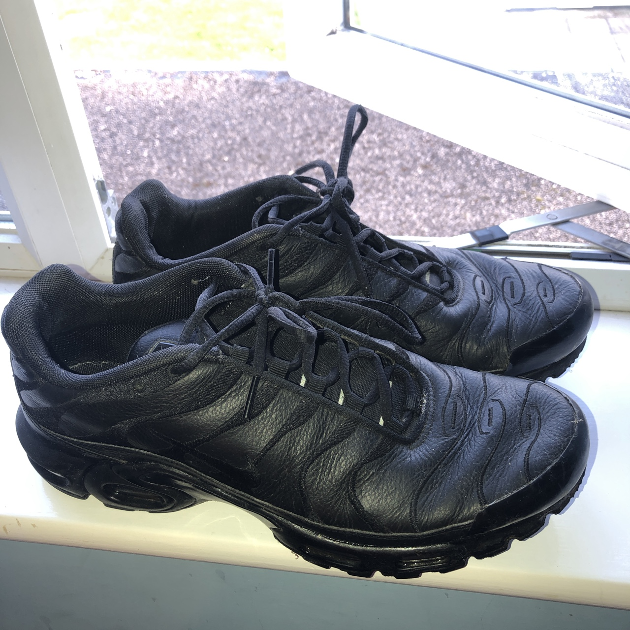 recepción consumo auge  Nike Air max tn (tuned 1) Leather all black Such a... - Depop