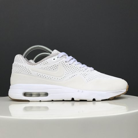 timeless design 57af2 1b918  adamphillips90. 2 years ago. London, United Kingdom. Nike air max 1 ultra  moire , white with half gum sole .