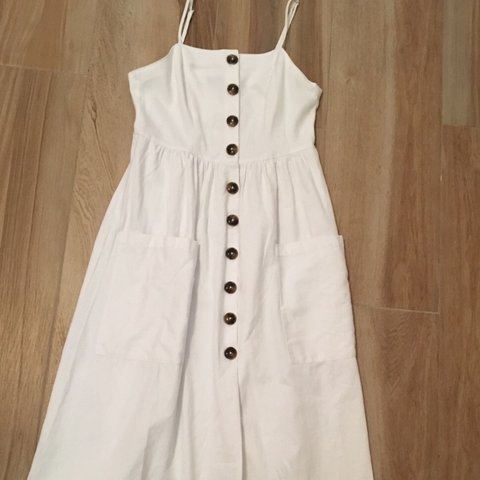 052d1fcf @kerane. last month. United States. Forever 21 White Button Down Dress.