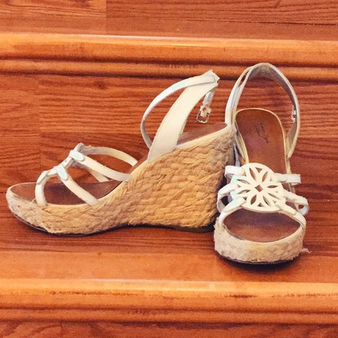 14564578cee9 American Eagle Outfitters White Leather Strappy Espadrille - Depop