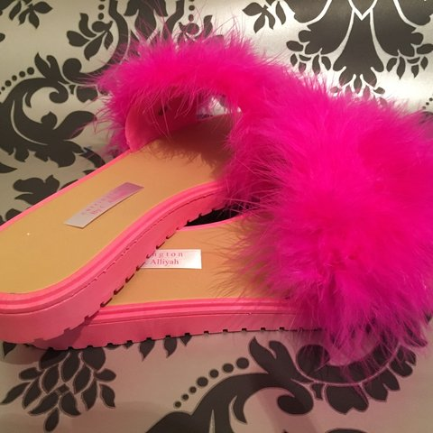 00a4a5c86bd8 BRIGHT PINK SOLE   PINK 🎀 FLUFFY SLIDERS FLIP FLOP 🎀 with - Depop
