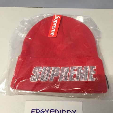 4574984477e40 SUPREME SEQUIN BEANIE AW17 SEQUIN LOGO ON CUFF RED SOLD OUT - Depop