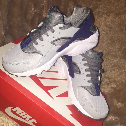 0ed2a2c100766 Nike Huarache Trainers    Used Worn twice in perfect still i - Depop