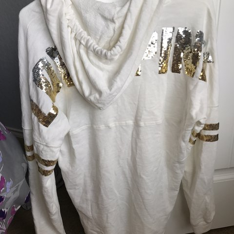 c21c727497dc4 Pink Victoria Secret long white sweater!! Barely used