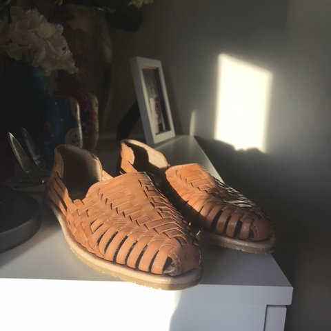 c19e43e74b67 slip on mexican shoe authentic mexican shoe true to size if - Depop