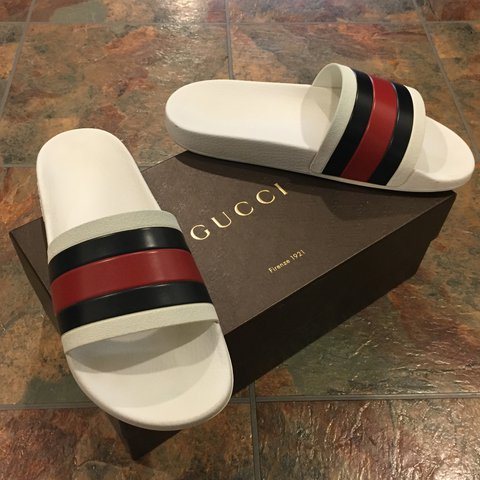 77b36367ca46f2 Size 10 White Gucci slides with black   red stripes. 100% - - Depop