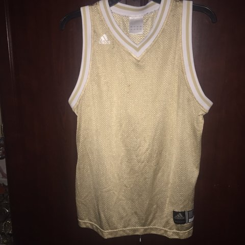 cff1863a502e NWOT Solid gold Adidas basketball jersey🏀😍‼️This plain can - Depop
