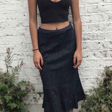 17d2877eea26e7 denim midi skirt - modelled on size 8 - would fit Urban Asos - Depop