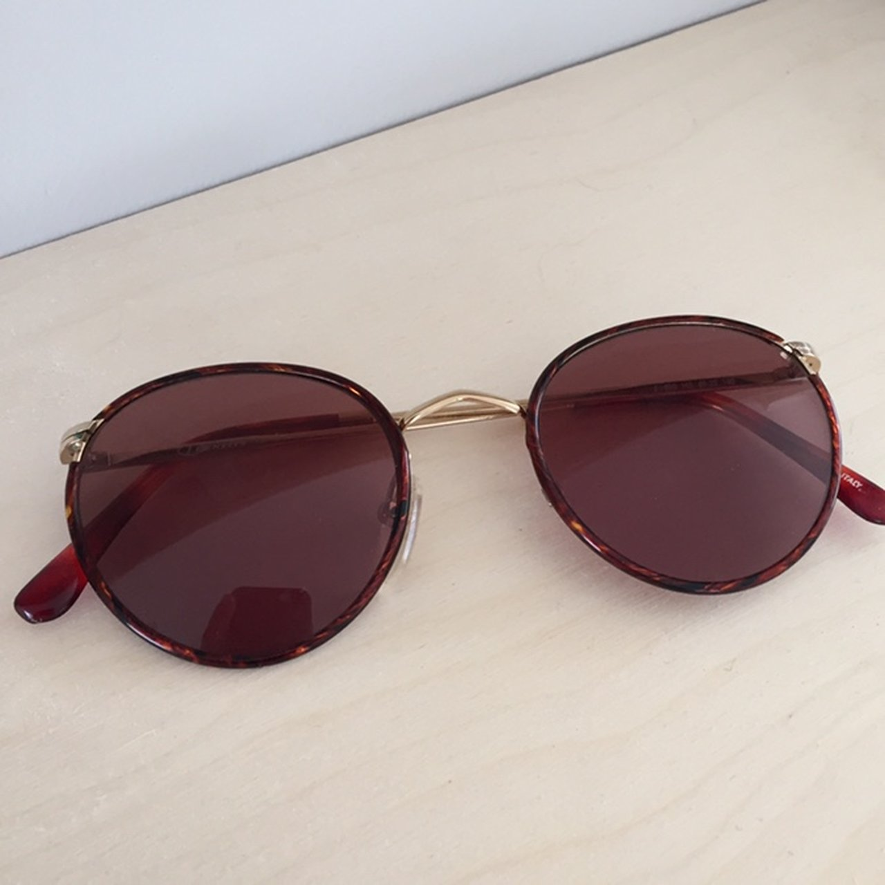 1e9be2d2c9 Vintage sunglasses bought from a market! The only fault is - Depop