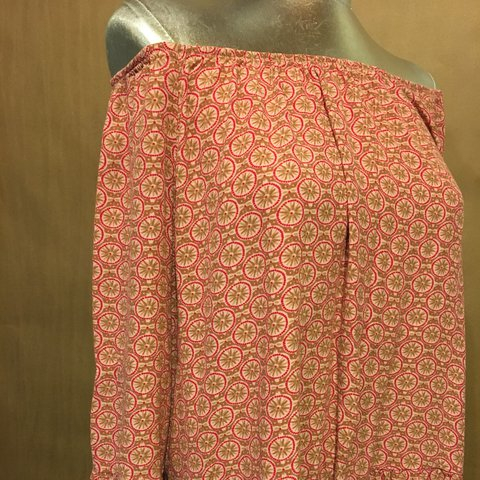 d19bc902623508 Vintage pink printed off the shoulder blouse with ruffled - Depop